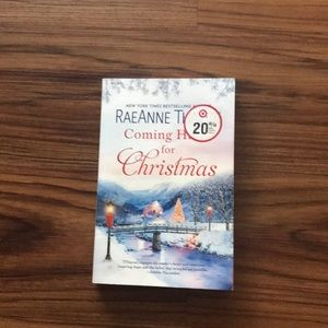 Book COMING HOME FOR CHRISTMAS. RaeAnne Thayne